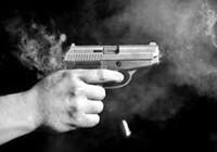 Một giám đốc bị bắn chết khi đi chùa
