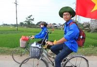 SV Thủ đô đạp xe vượt 100 km về Giỗ tổ Hùng Vương