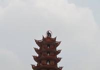 Ly kỳ giải cứu nam thanh niên 'ngáo đá' trên đỉnh tháp cao 11 tầng