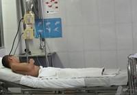 Bé trai tám tuổi bỏng nặng do ngã vào đống trấu đang un