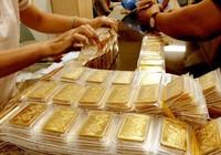 Giá vàng thế giới rơi mất 95 USD/ounce