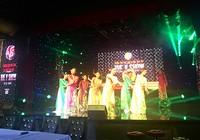 Vân Sơn mở nhà hát tại TP.HCM