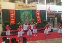Clip: Trò tiểu học rộn rã tưởng nhớ vua Hùng