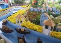 Về chợ nổi Phong Điền chiêm ngưỡng tạo hình trái cây