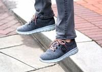 Bệnh 'chân lực sĩ' ở nam giới vì đi giày không vớ