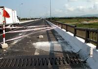 Cầu Đà Rằng (mới) bị hư hỏng