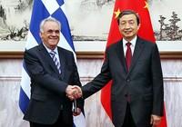 Trung Quốc lẳng lặng mua châu Âu