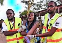 Bốn tên tấn công có đeo đai chất nổ