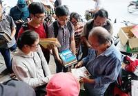 Người Sài Gòn cứu 10 tấn sách cũ