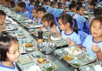 Vụ hàng chục học sinh nhập viện sau bữa ăn: Không thấy dấu hiệu thực phẩm thiếu an toàn