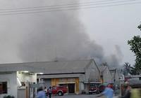 Cháy KCX, hàng trăm công nhân tháo chạy