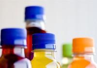 Phát hiện hàng ngàn chai nước ép trái cây hết hạn dùng