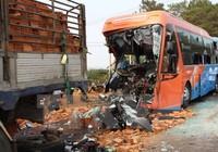 Đắk Lắk: Tài xế xe khách bất cẩn gây tai nạn kinh hoàng