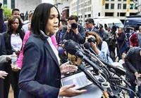 Nữ công tố anh hùng ở Baltimore