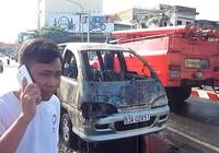 Xe khách cháy giữa đường, hai người thoát nạn