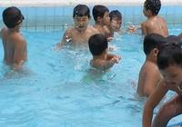Nước hồ bơi được kiểm tra an toàn