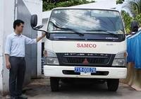 'Trùm mền' xe chở rác y tế tiền tỉ