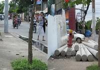 Dời đống trụ điện có thể chèn người đi đường