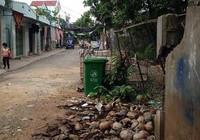 Phá tường rào bảo vệ khu dân cư