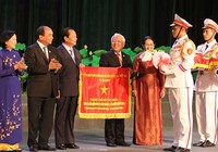 TP.HCM nhận cờ thi đua của Chính phủ