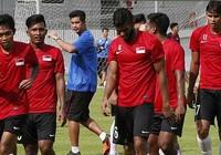 'LĐBĐ bỏ rơi U-23 Singapore!'