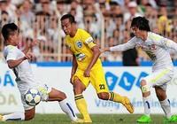 Vòng 15 V-League: Thanh Hóa thắng gây tranh cãi