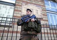Âm mưu cắt cổ sĩ quan ở Pháp