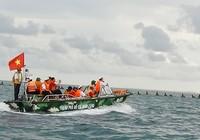 Tàu hải quân giải thoát ngư dân khỏi cướp biển