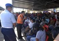 Máy bay Indonesia chở bốn túi tiền
