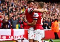 Arsenal - Liverpool: Trận thứ 100 của Giroud