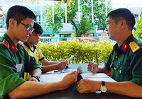 Sinh viên trường quân sự chiếm lĩnh trận địa