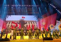 Tổng Bí thư thăm triển lãm 70 năm thành tựu kinh tế-xã hội