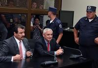 Cựu tổng thống Guatemala bị tống giam vì nhận hối lộ