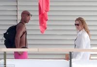 Vợ Steve Jobs cặp kè với tình nhân mới