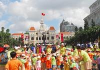 Sài Gòn thiếu không gian cho tượng