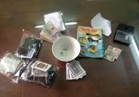 Nhân viên văn phòng chuyên đánh bạc tại quán cà phê