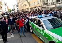 Người nhập cư tràn ngập, Munich than trời