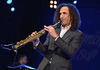 Huyền thoại saxophone Kenny G đến Việt Nam