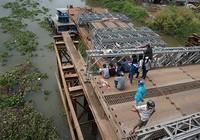 Vụ cô gái mất tích khi qua cầu tạm: Đã có dấu hiệu hình sự