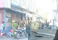 Truy sát giữa phố, hai người bị thương