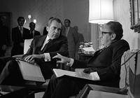 Tổng thống Nixon nói dối về chiến dịch ném bom Việt Nam năm 1972
