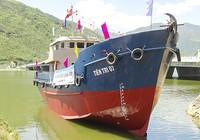 Hạ thủy tàu vỏ thép hậu cần cho ngư dân Lý Sơn