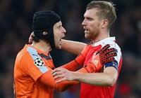 Champions League: Kỳ tích Arsenal và dấu ấn Petr Cech