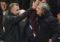 Chelsea thua West Ham (1-2): Sa thải Mourinho…