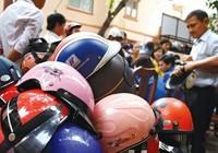 Phát hiện hàng ngàn mũ bảo hiểm dỏm