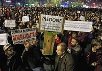 Từ một vụ cháy, thủ tướng Romania từ chức
