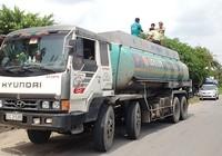 Tịch thu xe bồn gian lận hàng ngàn lít xăng dầu
