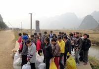Bối rối xử lao động 'chui' TQ với mác du lịch