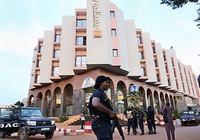 Bắt cóc con tin ở Mali: 19 con tin thiệt mạng, 17 người bị thương