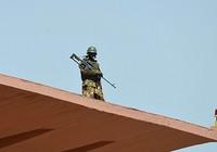 Bắt cóc con tin ở Mali: Nhóm khủng bố thứ hai nhận trách nhiệm